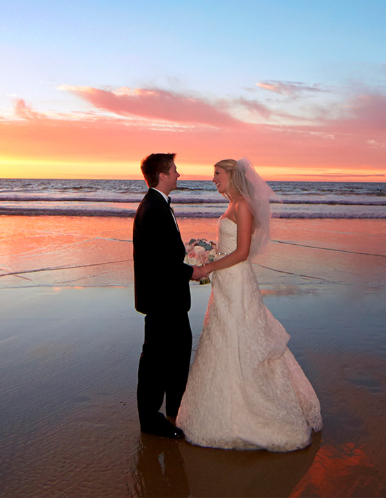 beach-weddings-couple