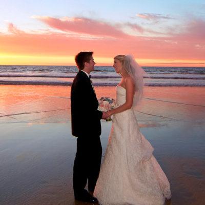 beach-weddings-couple