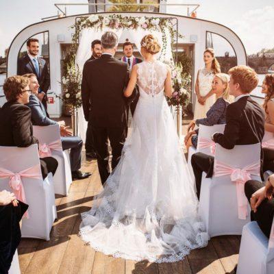 wedding-on-a-boat-in-prague017-241-7866